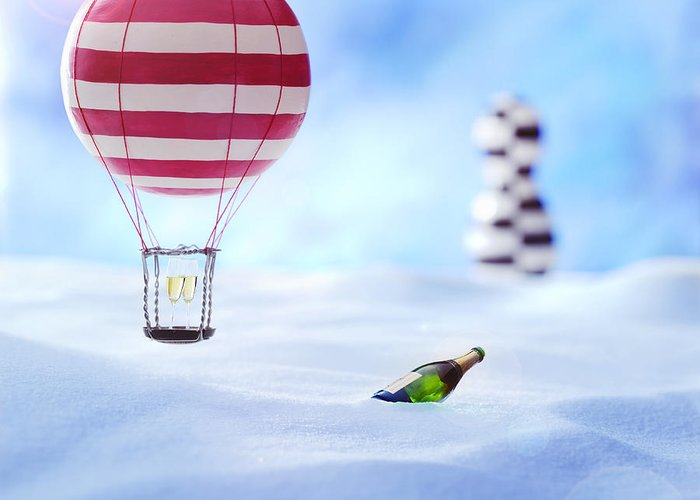 Air Baloon Greeting Card featuring the photograph Hot Air Balloon In The Snow by Han Van Vonno