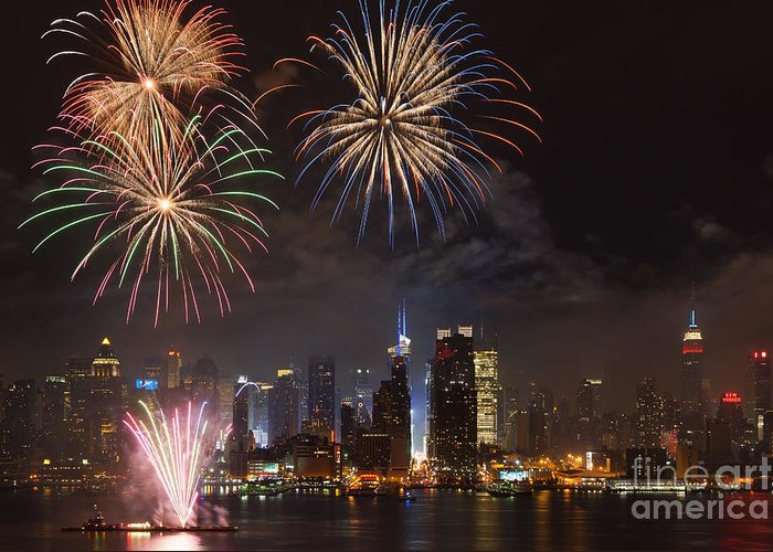 Clarence Holmes Greeting Card featuring the photograph Hudson River Fireworks Iv by Clarence Holmes