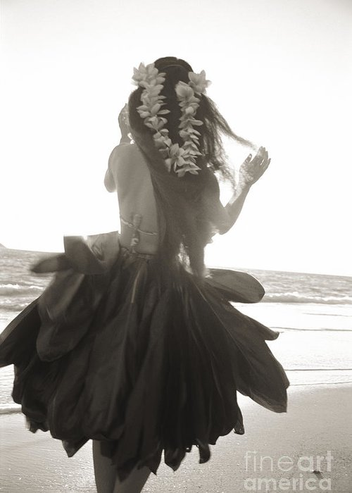 Art Medium Greeting Card featuring the photograph Hula Girl by Tomas del Amo - Printscapes