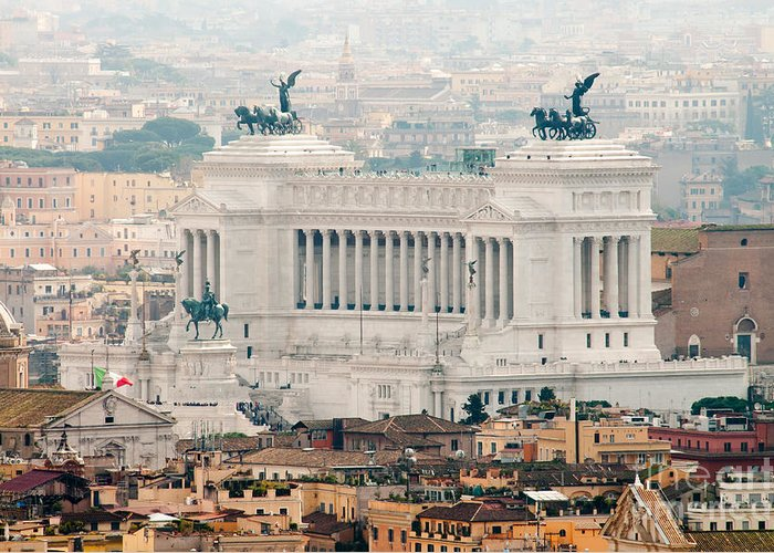 Monumento Nazionale A Vittorio Emanuele Ii Greeting Card featuring the photograph Il Vittoriano by Andy Smy