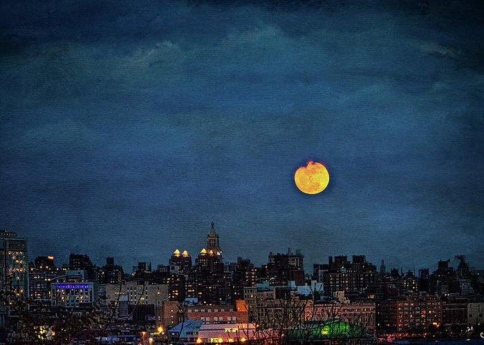 Manhattan Greeting Card featuring the photograph Manhattan Moonrise by Chris Lord