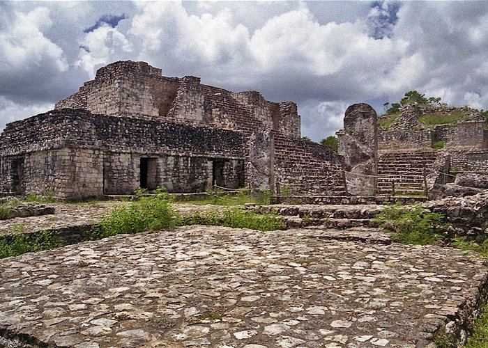 Chichen Itza Greeting Card featuring the photograph Mayan Ruins 1 by Michael Peychich