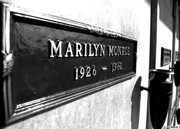 Marilyn Monroe Crypt Photograph Black And White Legend Classic Hollywood Epitome Beautiful Blonde Bombshell Jfk Tomb Wall Cemetary Rest In Peace Rip Beloved Greeting Card featuring the photograph Monroe by Jera Sky