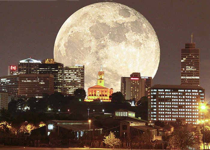 Moon Greeting Card featuring the photograph Moon Over Music City by Linda A Waterhouse