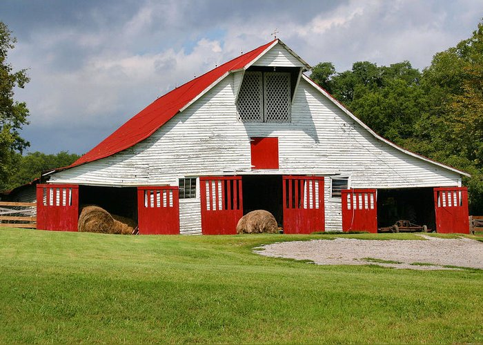 Barn Greeting Card featuring the photograph Old Barn by Kristin Elmquist