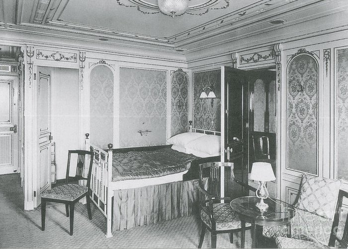 Titanic Greeting Card featuring the photograph Parlour Suite Of Titanic Ship by Photo Researchers