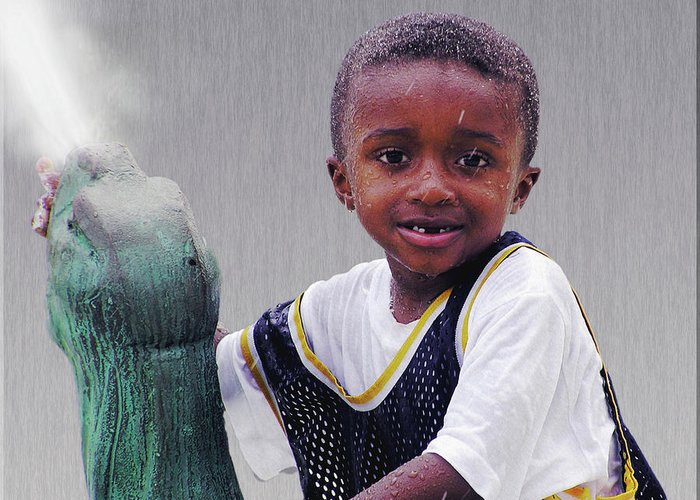 2d Greeting Card featuring the photograph Philly Fountain Kid by Brian Wallace