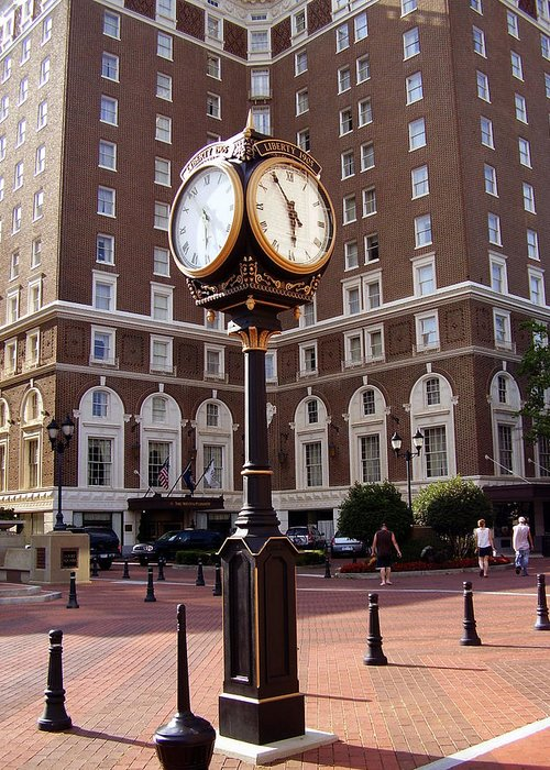 Poinsett Hotel Greeting Card featuring the photograph Poinsett Hotel Greeenville Sc by Flavia Westerwelle