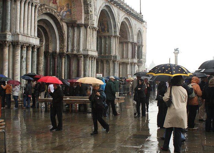 Venice Greeting Card featuring the photograph Rainy Day In Venice by Michael Henderson
