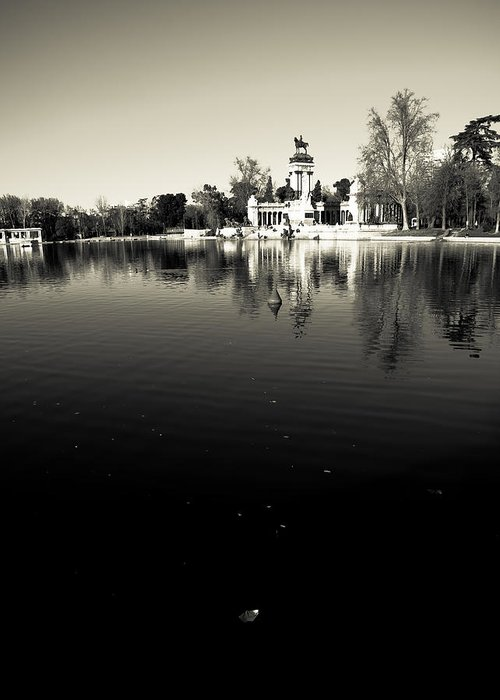 Water Greeting Card featuring the photograph Retiro by Felix M Cobos
