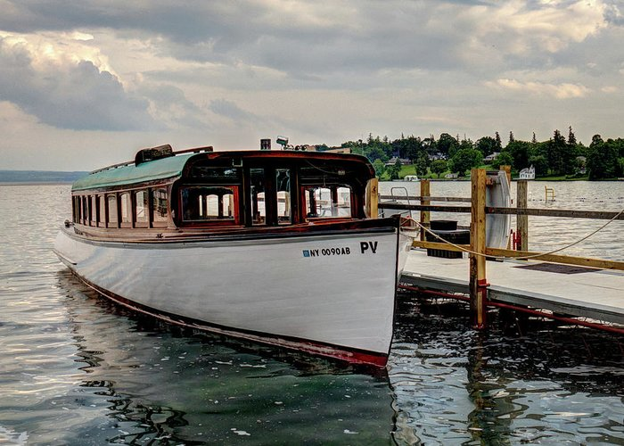 New York Greeting Card featuring the photograph Skaneatelesmailboat by Dave Thompsen