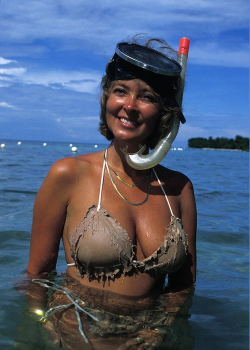 Woman Greeting Card featuring the photograph Snorkler Beauty by Carl Purcell