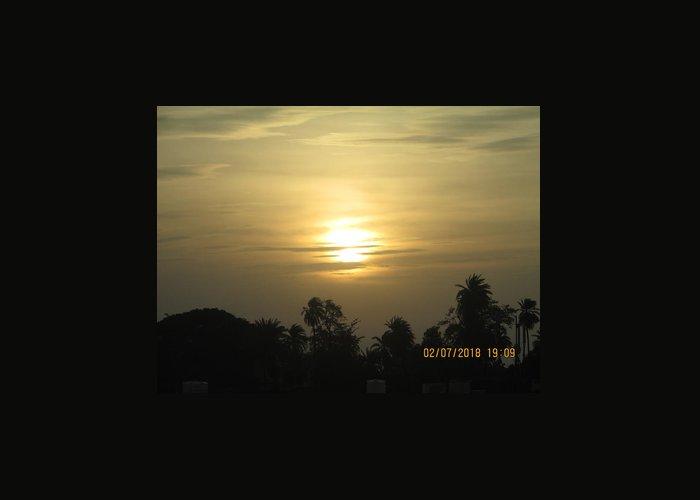 A Beautiful Sunset View Greeting Card featuring the photograph Sun View by Rajesh Kumawat