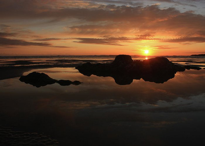 Sunset Greeting Card featuring the photograph Sunset In Yachats Oregon by Kami McKeon