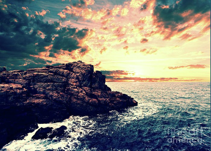 Sunset Greeting Card featuring the digital art Sunset On The Horizon by Phil Perkins