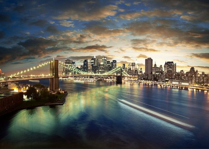 The Big Apple Greeting Card featuring the photograph The Big Apple by Zarija Pavikevik