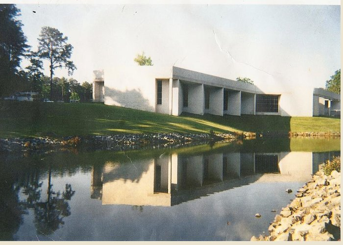 Archistructure Greeting Card featuring the photograph The Mariner's Museum On Lake Maury by Anne-Elizabeth Whiteway