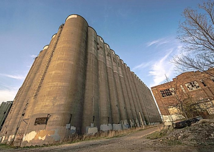 Minneapolis Greeting Card featuring the photograph The Silo Effect by Doug Wallick
