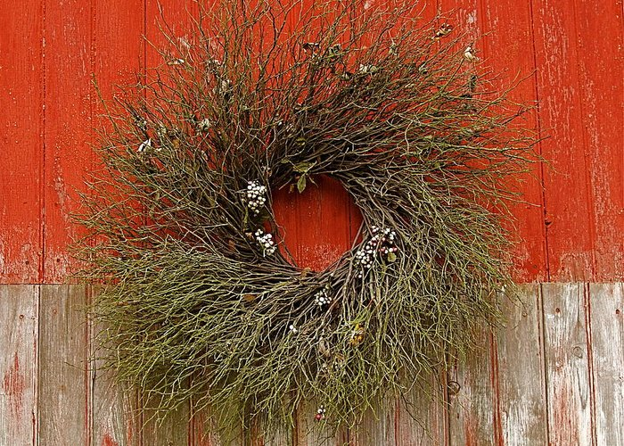 Americana Greeting Card featuring the photograph Wreath On The Barn by Nicola Fiscarelli