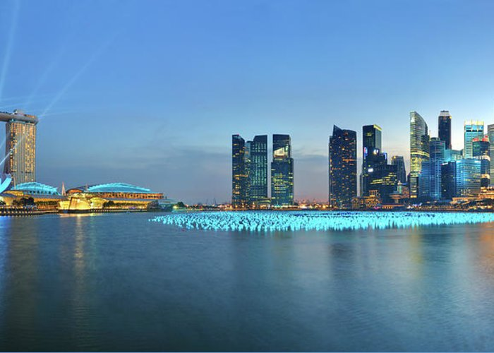 Tranquility Greeting Card featuring the photograph Singapore Marina Bay by Fiftymm99