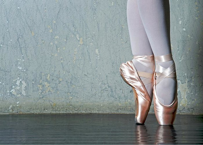 Ballet Dancer Greeting Card featuring the photograph Ballet Dancers Feet En Pointe by Dlewis33
