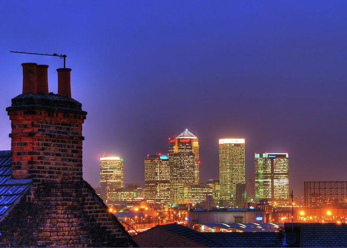 Clear Sky Greeting Card featuring the photograph Canary Wharf by Andy Linden