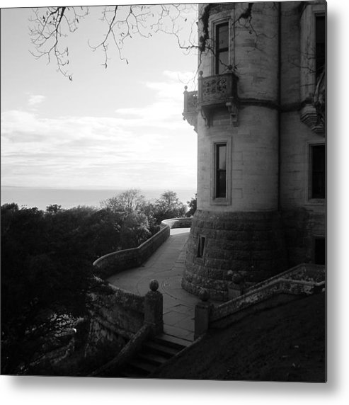 Metal Print featuring the photograph Dunrobin Walkway by Sharron Cuthbertson
