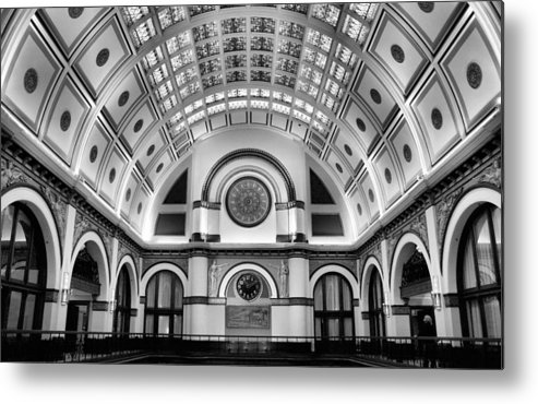 Union Station Lobby Metal Print featuring the photograph Union Station Lobby Black And White by Kristin Elmquist