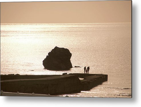 Couple Metal Print featuring the photograph By The Sea by Phil Child
