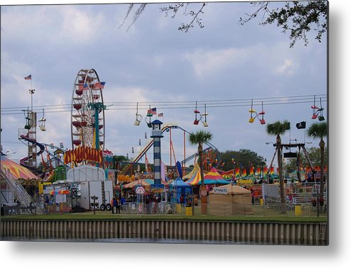 Forida Metal Print featuring the photograph Fun At The Fair by Judy Hall-Folde