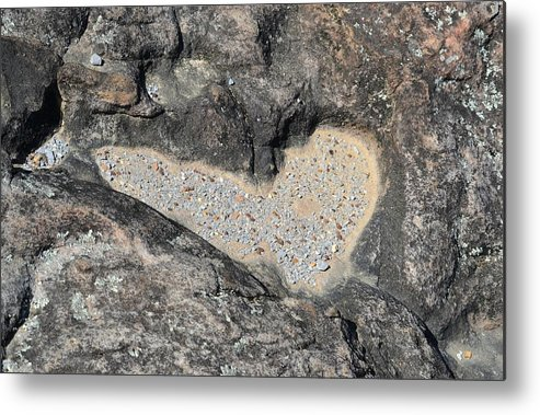 Rd Erickson Metal Print featuring the photograph The Heart In Stone by rd Erickson