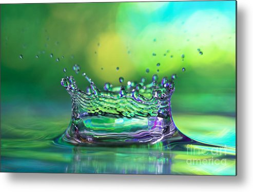 Abstract Metal Print featuring the photograph The Kings Crown by Darren Fisher