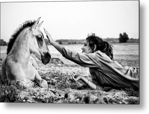 Horse Metal Print featuring the photograph Trustful Friendship by Justyna Lorenc
