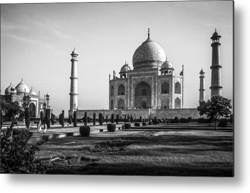 Daybreak Metal Print featuring the photograph Taj Mahal Agra by Chris Smith