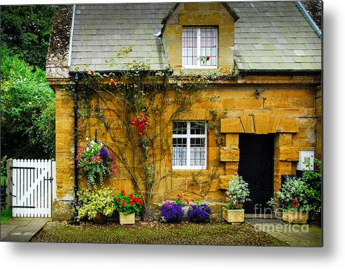 Diana Metal Print featuring the photograph Spencer Gatehouse Uk by Ken Andersen