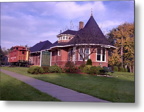 Witch's Hat Railroad Depot Metal Print featuring the photograph Witch's Hat Railroad Depot by Paul Cannon