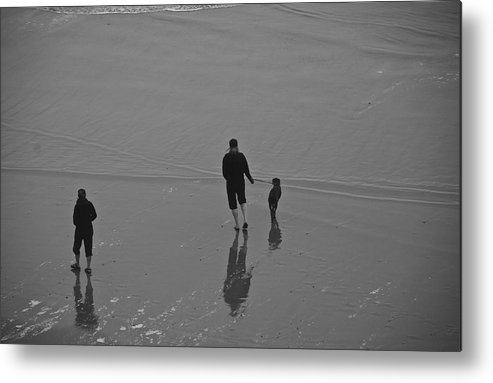 Oregon Metal Print featuring the photograph A Walk In The Beach by Eric Tressler