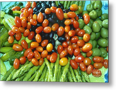 Tomato Metal Print featuring the photograph Choose Me Chose Me by Bruce Borthwick