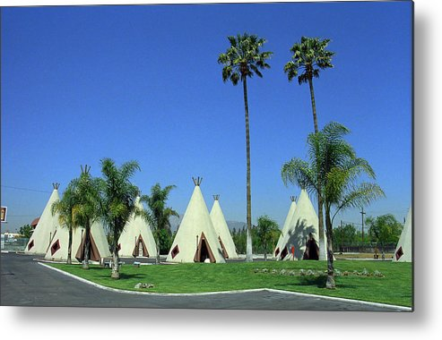 66 Metal Print featuring the photograph Route 66 - Wigwam Motel 4 by Frank Romeo