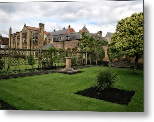 Garden Metal Print featuring the photograph Bakewell Country Gardens - Bakewell Town - Peak District - England by Doc Braham