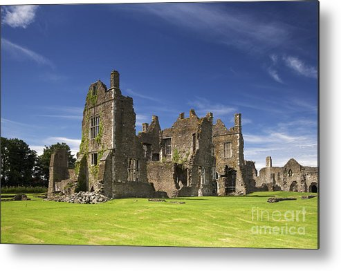 Neath Metal Print featuring the photograph Neath Abbey by Premierlight Images