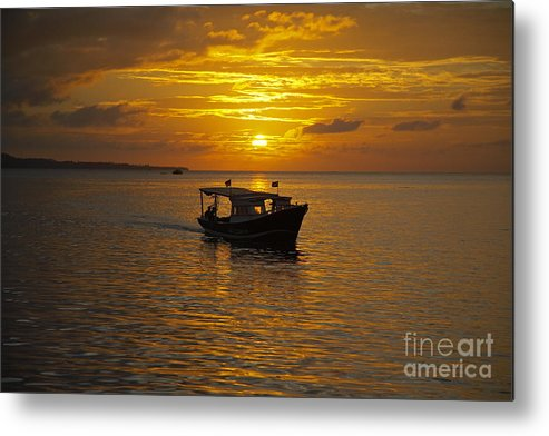 Sunset Metal Print featuring the photograph Returning To Port At Sunset by Premierlight Images