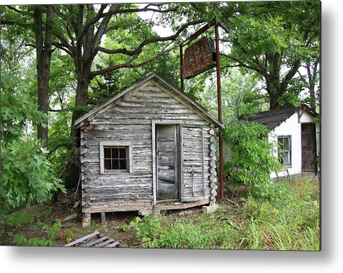 66 Metal Print featuring the photograph Route 66 - John's Modern Cabins by Frank Romeo