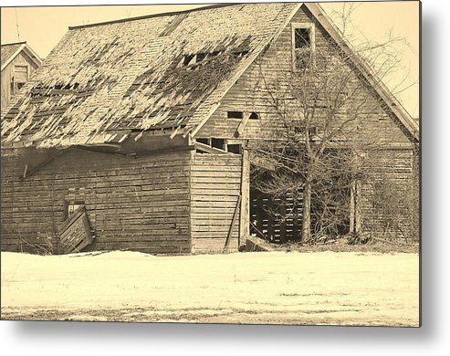 Old Metal Print featuring the photograph Barn by Dan Young