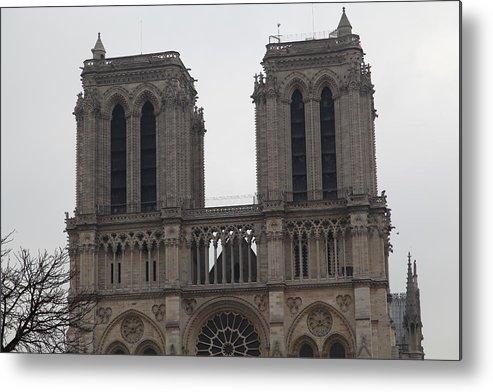Aged Metal Print featuring the photograph Paris France - Notre Dame De Paris - 01133 by DC Photographer