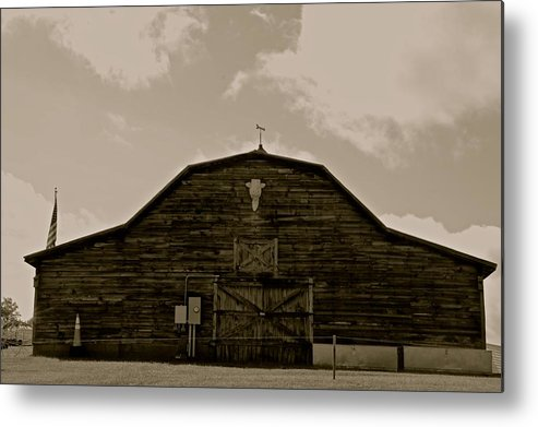 Farm Classic Tractor Landscape Metal Print featuring the photograph Farm by Frank Conrad