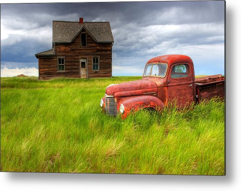 Light Metal Print featuring the photograph Abandoned Homestead House And Red by Gemstone Images