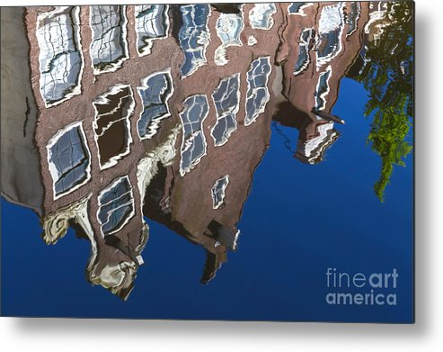 Amsterdam Metal Print featuring the photograph Amsterdam 05 by Tom Uhlenberg
