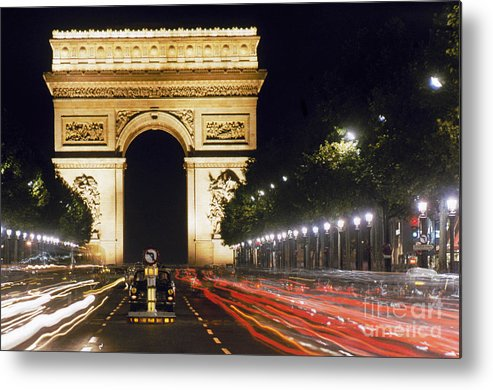 Arch Metal Print featuring the photograph Arc De Triomphe by Granger