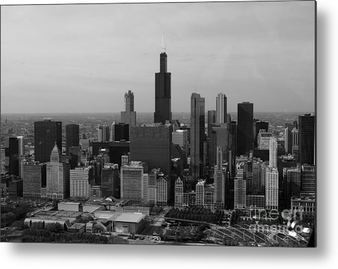 Black And White Metal Print featuring the photograph Chicago Looking West 01 Black And White by Thomas Woolworth
